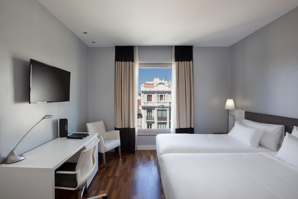 H10 adquiere el hotel puerta de alcal de madrid revista gran hotel turismo - Hotel puerta de alcala ...