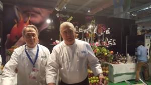 Simón Padilla, histórico chef ejecutivo del Hotel Puente Romano, y Juan Gálvez, chef ejecutivo del Hotel Marbella Club.