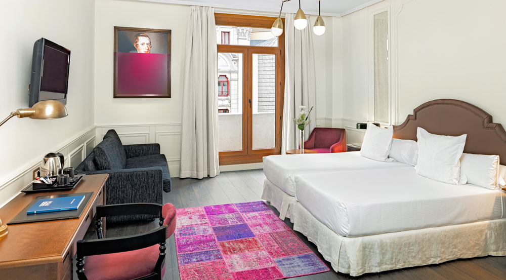 H10 hotels renueva por completo el h10 villa de la reina - Villa de la reina madrid ...