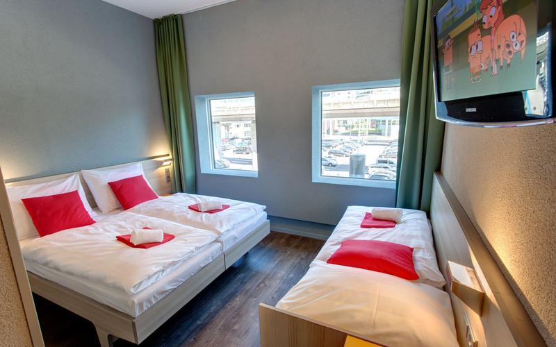meininger hoteles abrir un hotel en barcelona revista gran hotel turismo. Black Bedroom Furniture Sets. Home Design Ideas